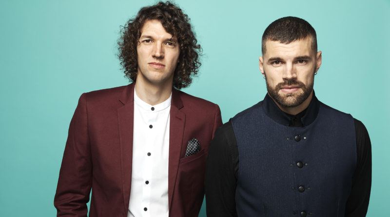 for King and Country to bring Christmas show to Des Moines